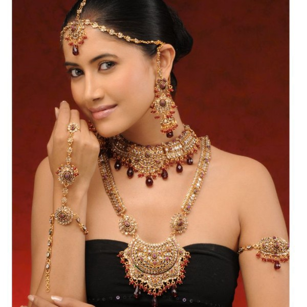 Latest Pakistani Bridal Jewelry Designs 2018 4