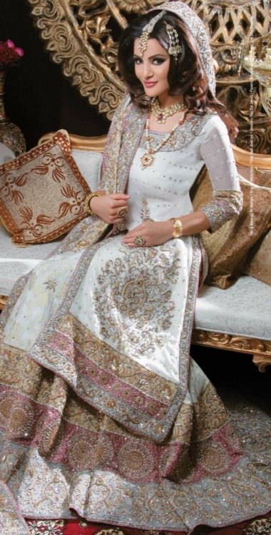 Pakistani Bridal Dresses 2018 9