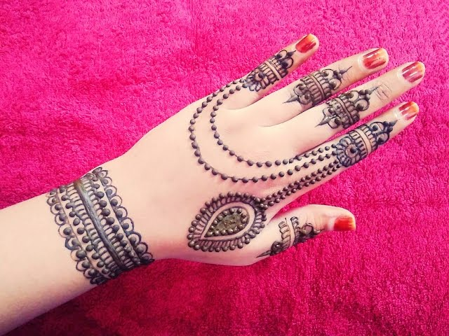 Pakistani Mehndi Design For Eid Pattern
